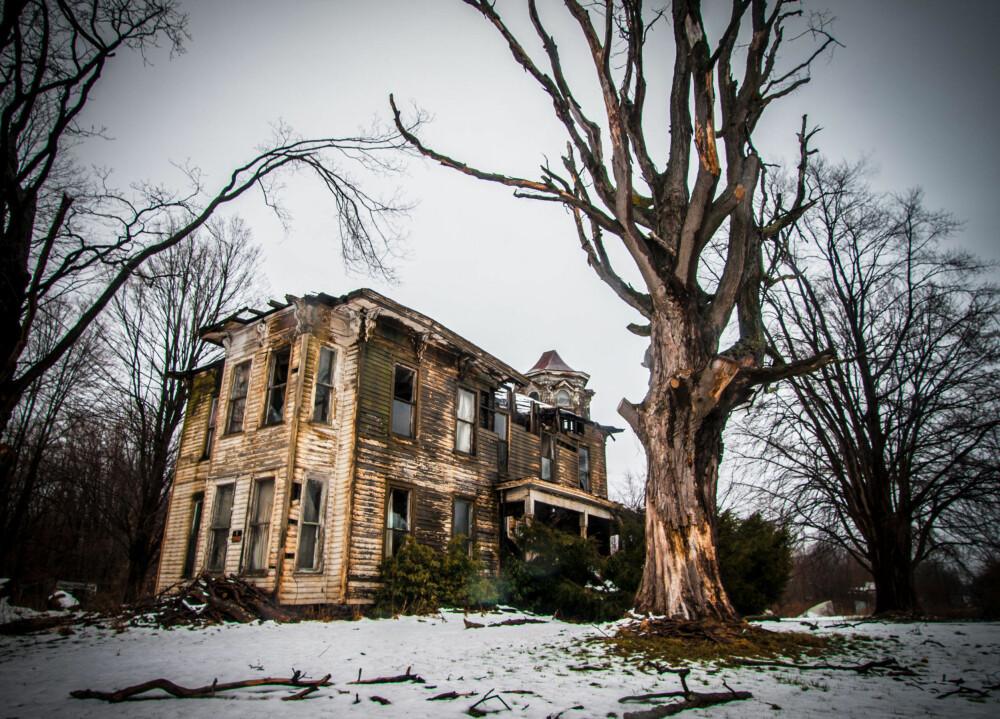 Dette huset i Ohio kunne sett fantastisk ut, men i stedet forfaller det. Familien som eier huset skal være blant områdets rikeste.