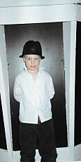 Magnus 7 år gammel, allerede kjent som «Magnus Jackson»