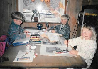 Magnus med søsknene Gabriel og Kristina: - Dette er kanskje en av de gangene jeg faktisk satt i ro, sier Magnus.