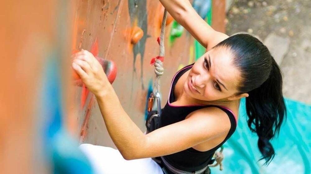 KLATRING: Gøy trening som gir ekstremt god treningseffekt. Her trenes coremuskulaturen effektivt!