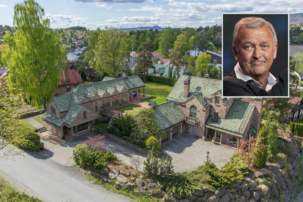ENDELIG: Hallvard Flatlands eiendom, tegnet av arkitekt Finn Sandmæl, har fått ny eier.