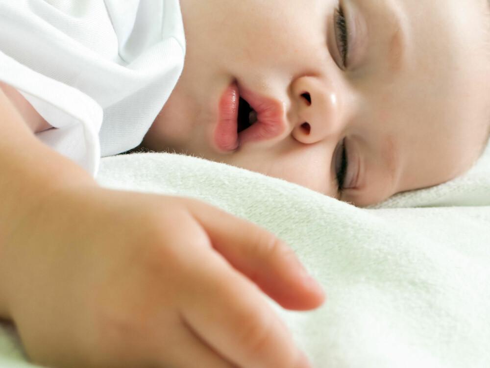 SØVNTRENING? Babyer trenger hjelp til å finne søvnen selv, mener søvnforsker Ståle Pallesen.