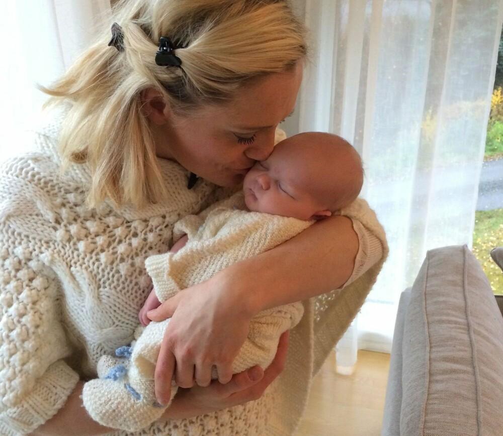KRISTIN ROSET, som driver bloggen Springerinne, ble nylig mor for første gang. Hun har slitt med spiseforstyrrelser i over ti år. Fire år etter at hun startet med behandling kom lille Noah.