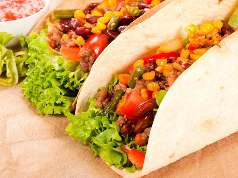 FRISTENDE: Med masse grønnsaker, karbonadedeig, hjemmelaget kryddermiks og guacamole kan tacomiddagen bli en riktig så sunn og næringsrik middag.