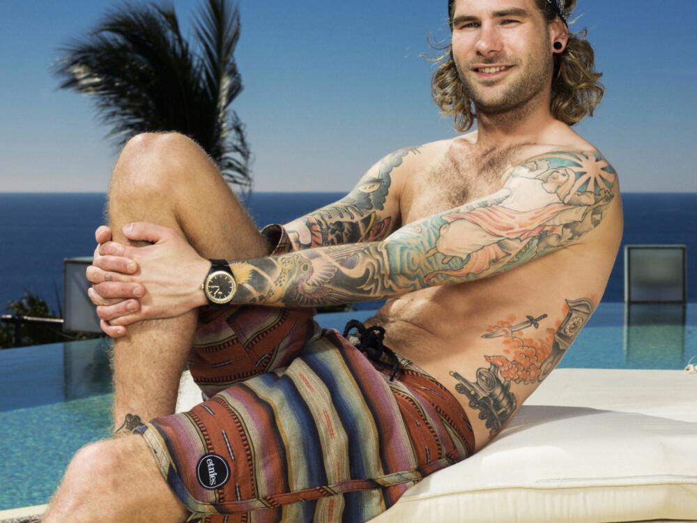 FARVEL: Fredrik Fredriksen ble stemt ut av Paradise Hotel etter å ha vært der kun én natt.