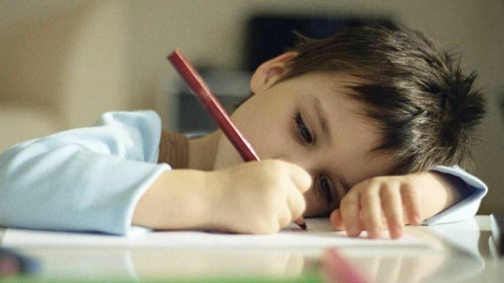 TEGNING: Vis interesse for hva barnet har tegnet, selv om det til å begynne med bare er rabling.