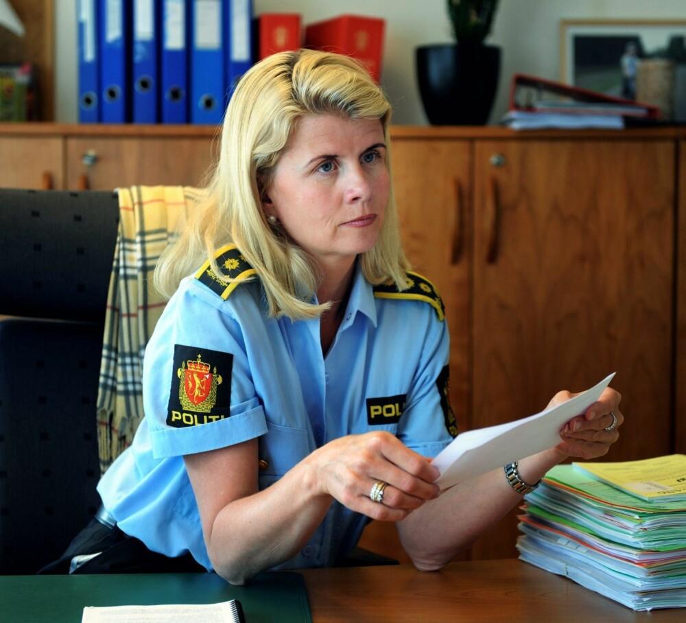 MØT OPP: – Sørg for at barna dine møter opp når de er invitert, sier påtalesjef Linn Hilde Fosso i politiet.