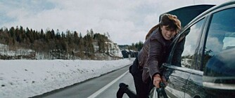SLAPP STRIKK: For hver gang Lise ble kastet over på siden av bilen, falt hun litt lenger ned. Foto: Produsentene