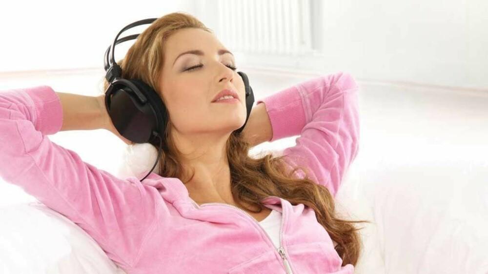 Bruk rolig musikk både til avslapning og roe ned før sengetid.