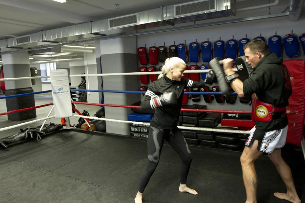 Vi i Side2 ble overrasket over hvor hardt og raskt Sandra bokset på trening! Det ga (selv oss tilskuere) energikick på morgenen.