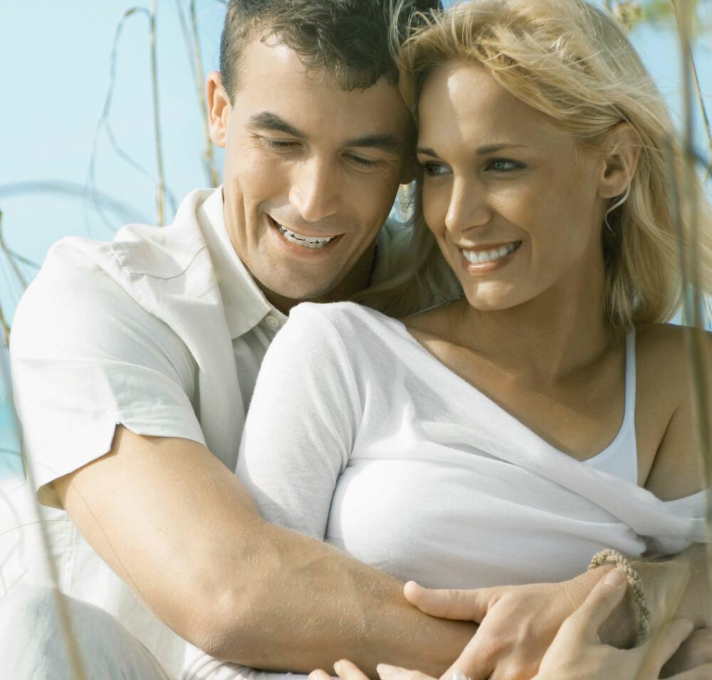 EKTE KJÆRLIGHET: Å dele livet med en annen kan gjøre deg mer lykkelig.