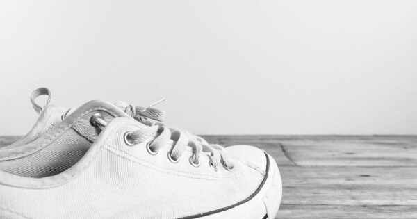 bebecda3 7 tips for kritthvite sneakers - Aktuelt
