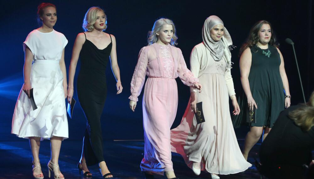 «Skam»-gjengen på scenen sammen i Bergen fredag kveld.