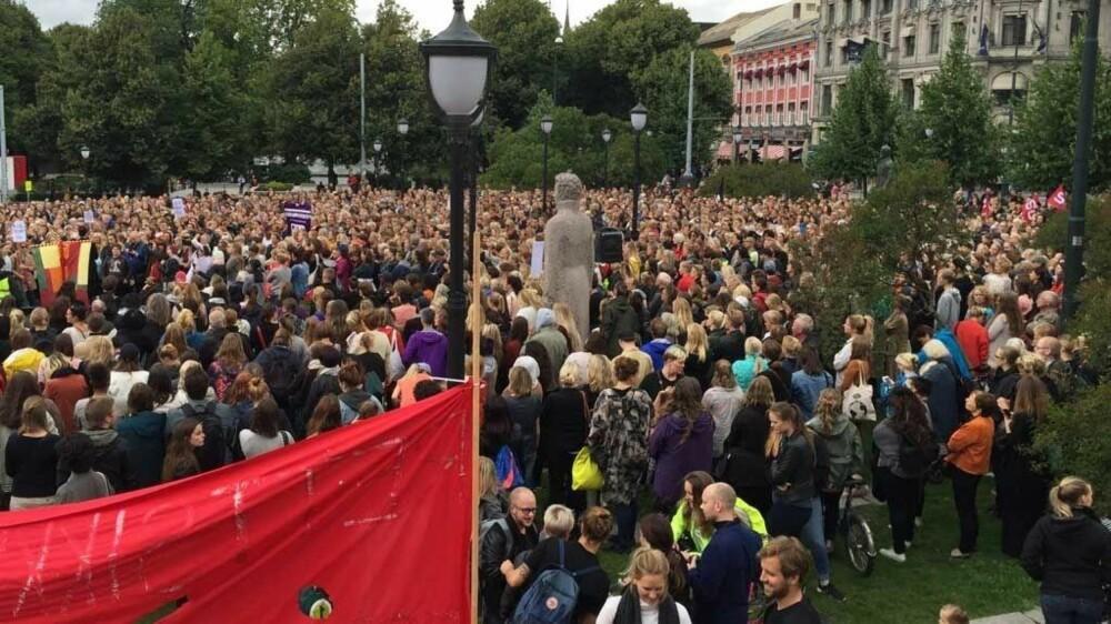 Det var under demonstrasjonen for rettssikkerhet for kvinner i august 2016 at Andrea Voldum og June Holm møtte hverandre.