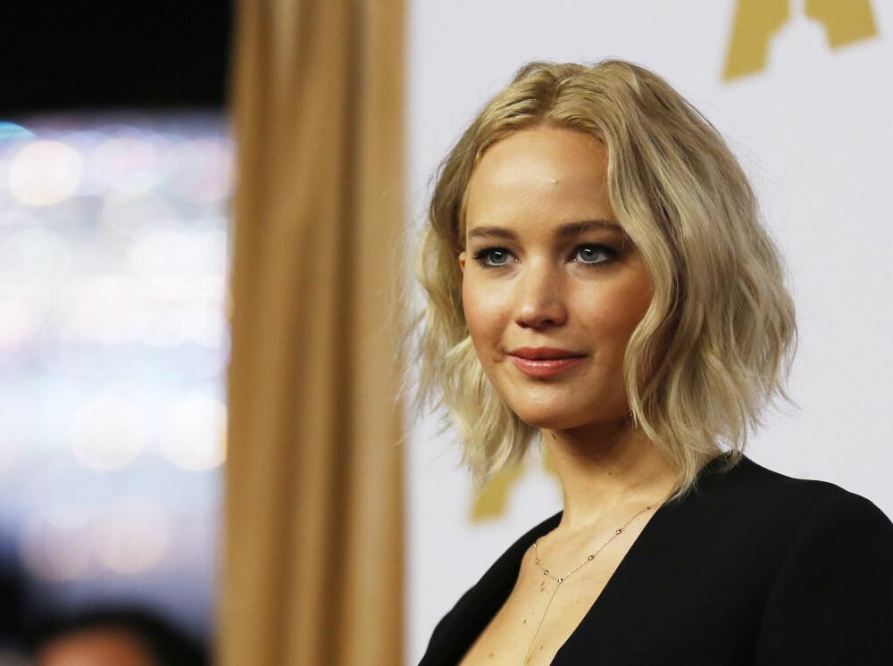 Jennifer prater åpent om hvordan hun håndterer fans, hennes vennskap med kontroversielle komiker Amy Schumer og bruddet med regissør Darren Aronofsky.