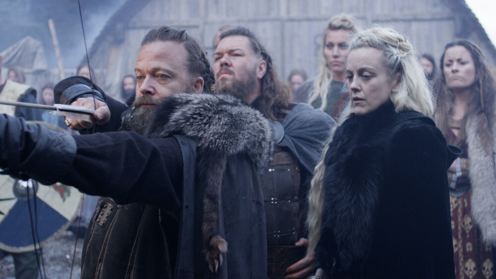 Orm (Kåre Conradi), Arvid (Nils Jørgen Kaalstad) og Hildur (Marian Saastad Ottesen) i Vikingane, som kan vinne beste realityprogram for andre år på rad.