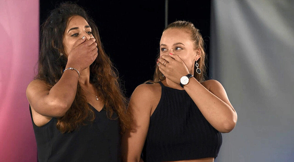 SLAPP Å REISE: Kathleen og Benedicte ble lettet over å få bli i konkurransen.