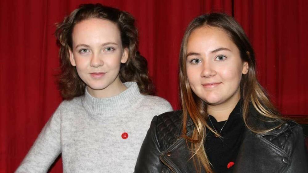 ENGASJERTE: Anna Skavlan (19) og Kari Saxhaug (19) er opptatt av at unge jenter og kvinner ikke skal føle skam om de sier fra om overgrep og vold.