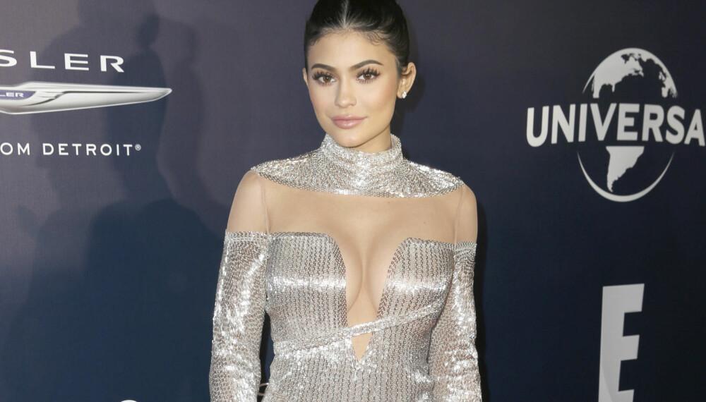 Kylie Jenner på NBCUniversal Golden Globes etterfest i Beverly Hills. Hun skal fortsette kampen om å få bruke sitt eget navn i reklamer.