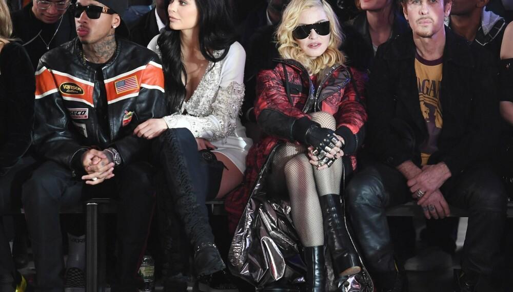 Tyga (f.v.), Kylie Jenner, Madonna og Steven Klein under Philipp Plein-visningen på New York Fashion Week.