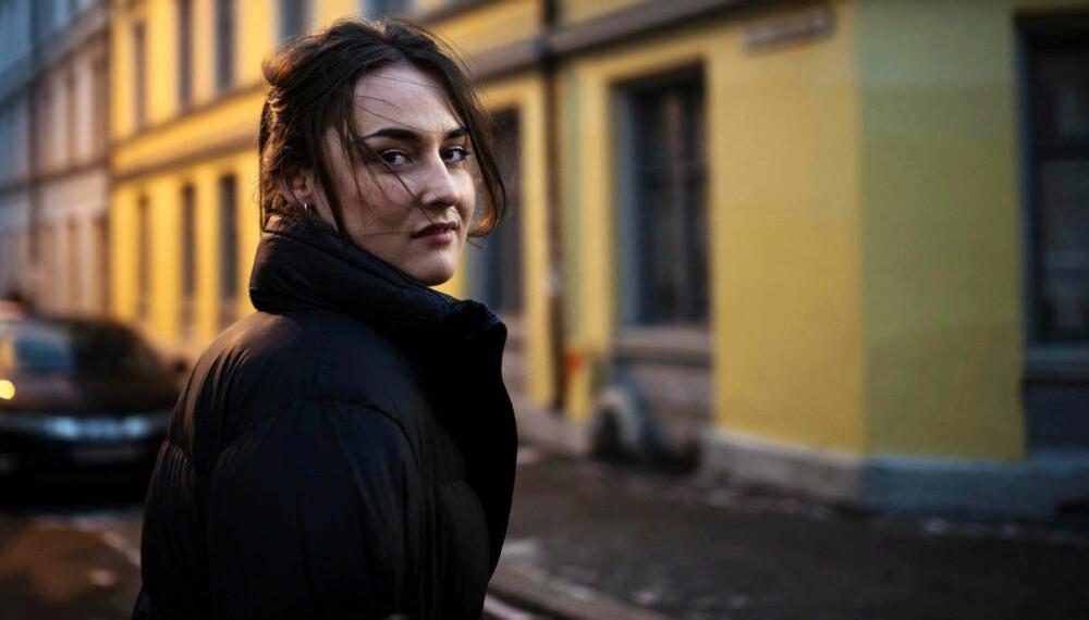I andre episode av «Innafor» laget programleder Emma Clare Gabrielsen seg en profil på en sugardatingnettside.