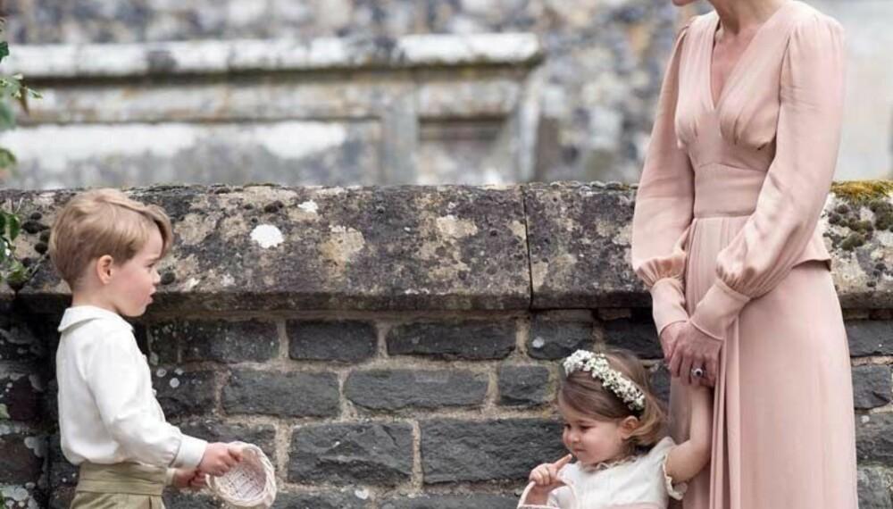 Kate sammen med barna George og Charlotte i søsteren Pippas bryllup den 20.mai.