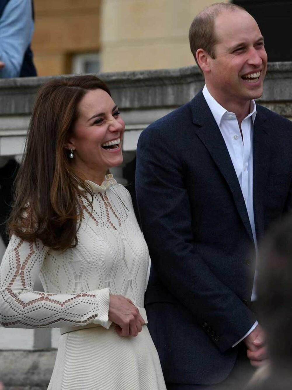 Kate og William holder fest på Buckingham Palace.
