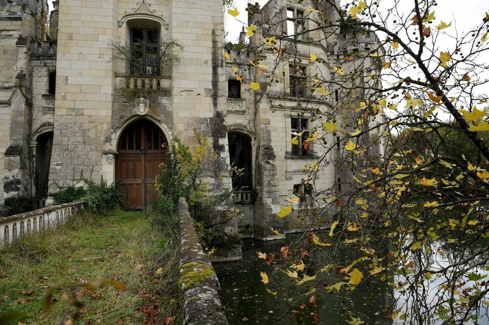 En del av det eventyrliknende slottet La Mothe-Chandeniers i Les Trois-Moutiers i Vest-Frankrike.