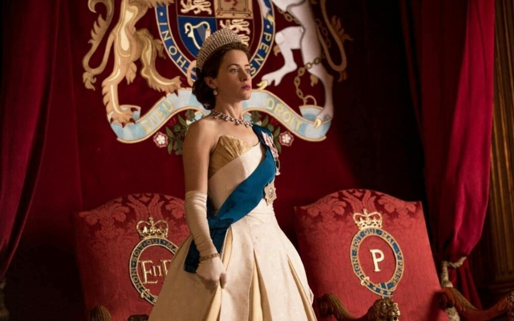 THE CROWN: Claire Foy som dronning Elizabeth II i sesong to av The Crown.