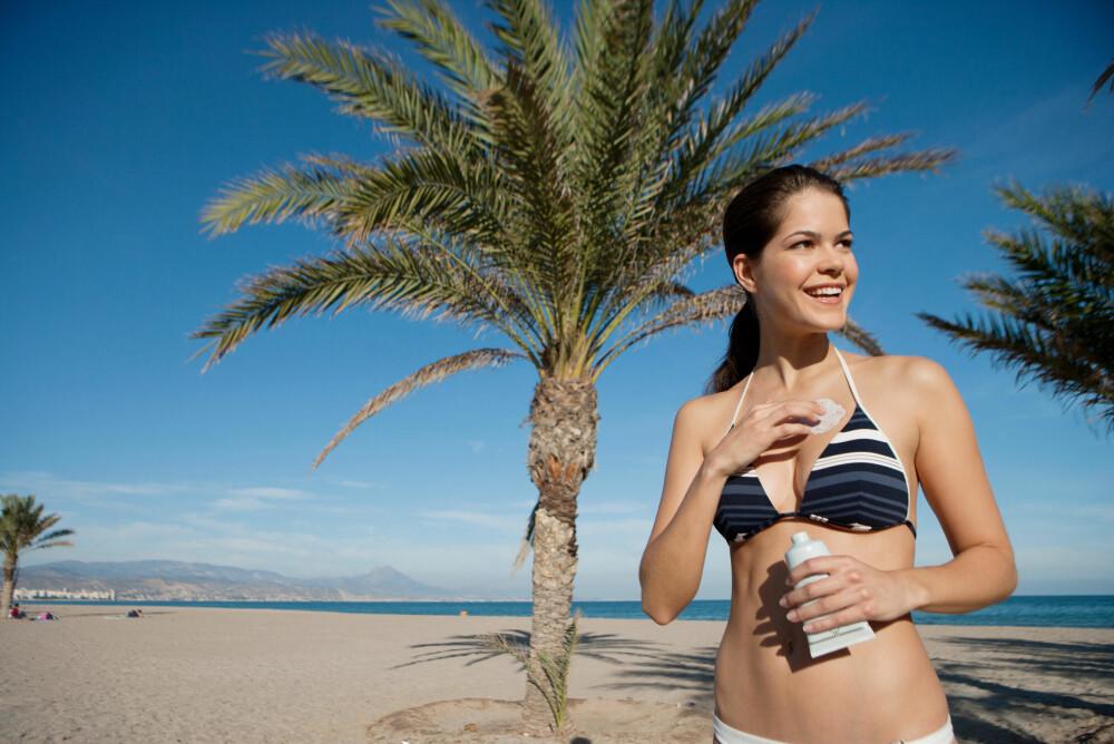 HUSK SOLKREM MED HØY FAKTOR: En bra måte å unngå solskader på, er å bruke en solkrem med høy faktor og fysisk filter.