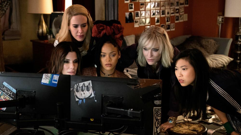 Sarah Poulsen, Sandra Bullock, Rihanna, Cate Blanchett og Awkwafina i Ocean's 8.