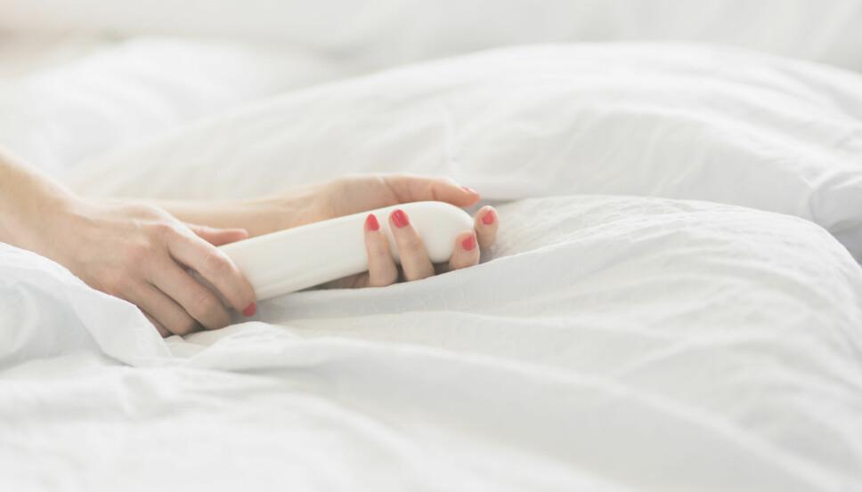 PIFFER OPP SEXLIVET: En vibrator kan gjøre susen for et labert sexliv. Det Nye-redaksjonen har testet fire av dem.