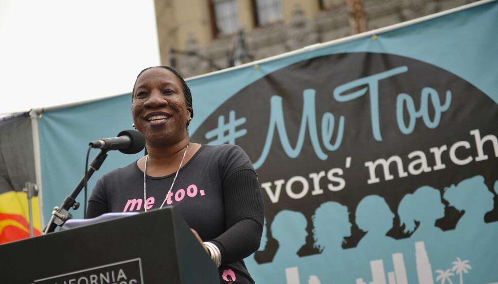 SKAPTE UTTRYKKET: Den amerikanske kvinnerettsforkjemperen Tarana Burke er opphavskvinnen til uttrykket «me too». Her taler hun under en demonstrasjon mot seksuell trakassering i arbeidslivet i Hollywood.