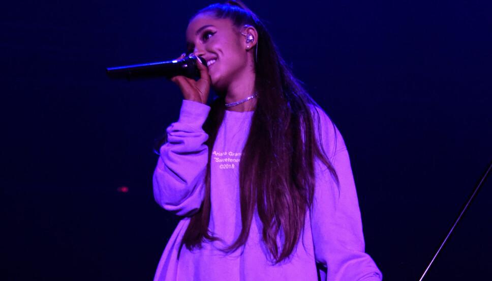 Elsker fansen: Ariana Grande gav alt for fansen på en konsert i LA i helgen.