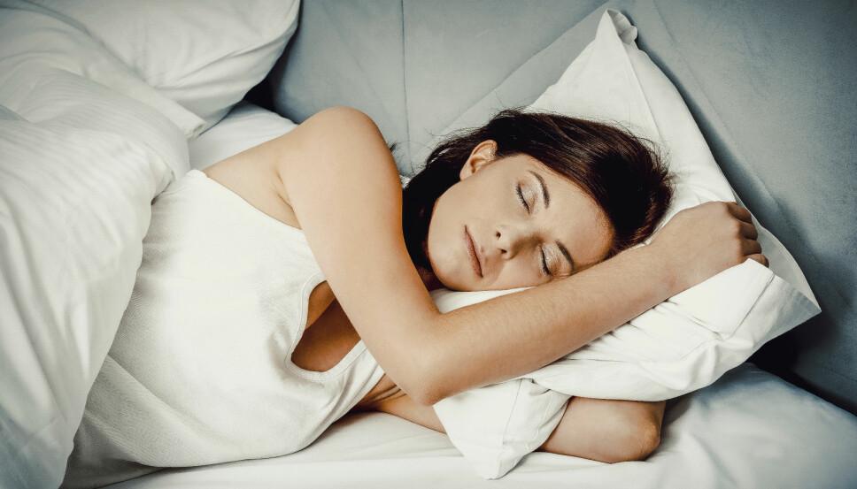 SLIK FÅR DU SOVNE RASKERE: Vi har alle lyst på en god natts søvn, og har derfor samlet sammen våre beste tips til hvordan du kan sovne fort.