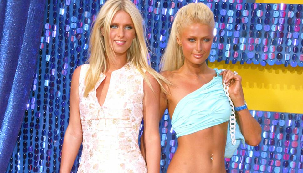 MOTEIKONER: Paris Hilton og søsteren Nicky Hilton hadde sin storhetstid tidlig på 2000-tallet. Paris, spesielt, populariserte mange av tidens største trender.