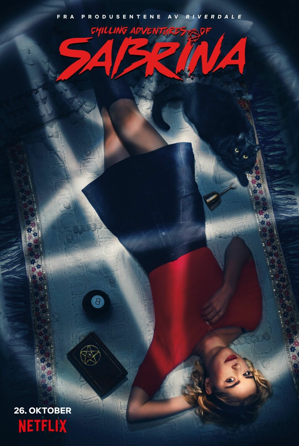 PREMIERE HALLOWEENHELGEN: The Chilling Adventures of Sabrina har premiere fredag 26. oktober, altså helgen før halloween. Her reklameplakaten for serien.