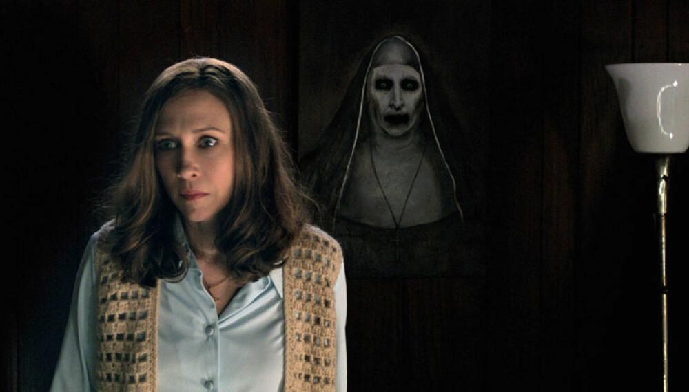 HALLOWEEN-GRØSS: Vera Farmiga i rollen som den klarsynte, paranormale etterforskeren Lorraine Warren i The Conjuring 2.