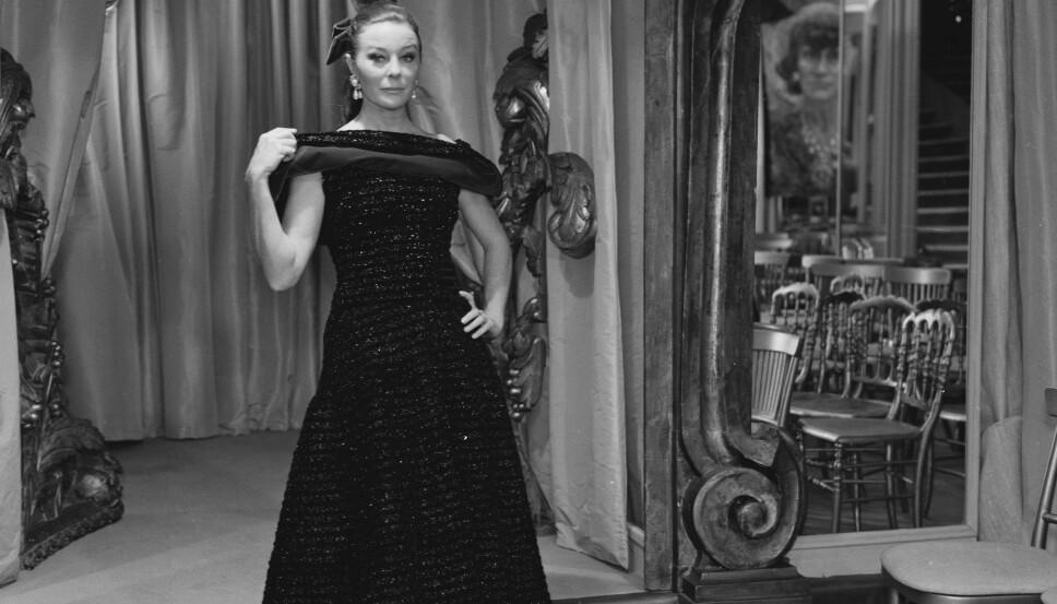 Bettina Graziani, født Simone, var selve levendegjøringen av fransk eleganse. Givenchys ikoniske Bettina-bluse er inspirert av henne.