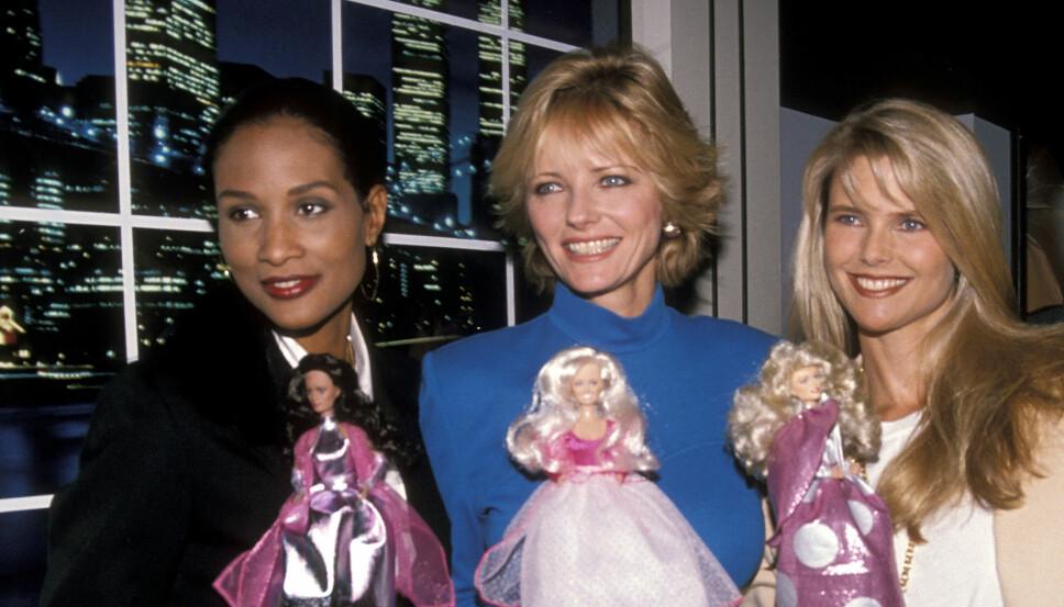 everly Johnson, Cheryl Tiegs og Christie Brinkley. På 80-tallet begynte modellene å representere mer enn motehus, og skaffet seg lukrative avtaler med store merkavarer verden over. Her promoterer de en ny kolleksjon dukker.