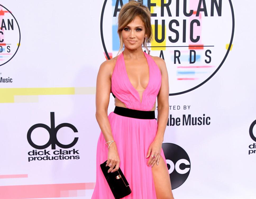 AMERICAN MUSIC AWARDS: Ingen tvil om at Jennifer Lopez fortsatt holder koken, og vel så det.