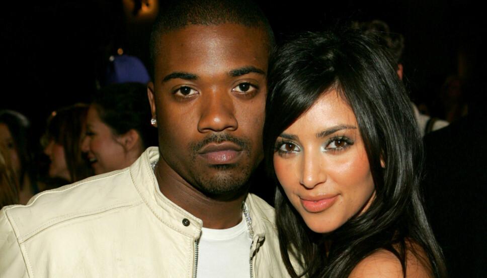 EKSKJÆRESTER: Ray J og Kim Kardashian avbildet i 2006, ett år før sexvideoen de to laget sammen ble sluppet på internett.