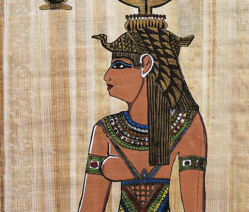 I gamle Egypt brukte både kvinner og menn sminke. Her er en gjenskapt relieff av Kleopatra.