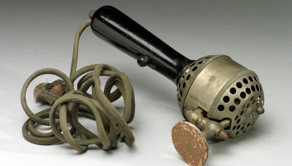 1909: Dette er en håndholdt, elektrisk vibrator.