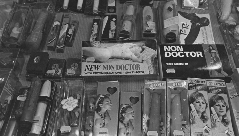 1980: Bilde av et utstillingsvindu i en sexleketøybutikk i Tyskland.