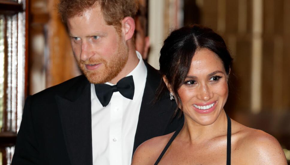 LYKKELIGE: Paret venter barn våren 2019.