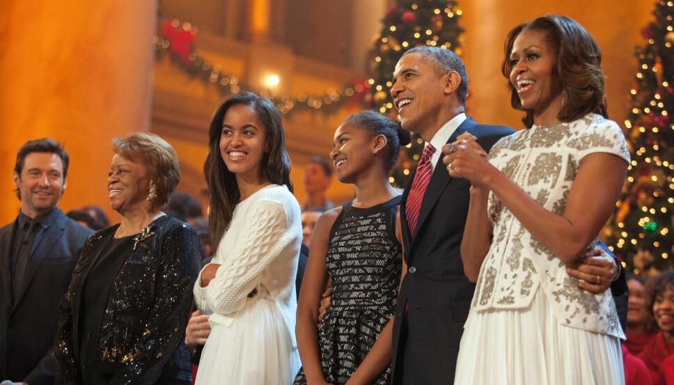 HELE FAMILIEN: Barack Obama og Michelle Obama, sammen med døtrene Malia (t.v.) og Sasha Obama i 2013. Etter flere års forsøk og en spontanabort, valgte Michelle og Barack Obama å forsøke prøverørsbehandling. Begge parets døtre er unnfanget ved assistert befruktning.
