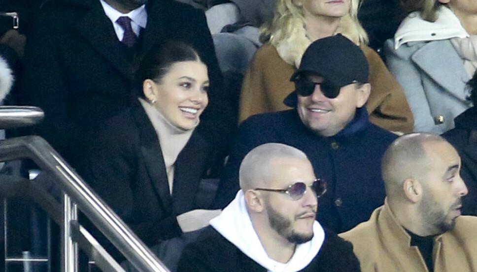 TURTELDUER: Camila Morrone og Leonardo DiCaprio skal ifølge ryktebørsen være klare for å ta forholdet til neste nivå. Her på fotballkamp 28. november 2018.