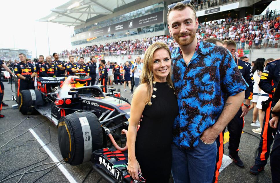 GINGER SPICE: Geri Halliwell poserer sammen med artist Sam Smith før et Formel 1-løp i Abu Dhabi.