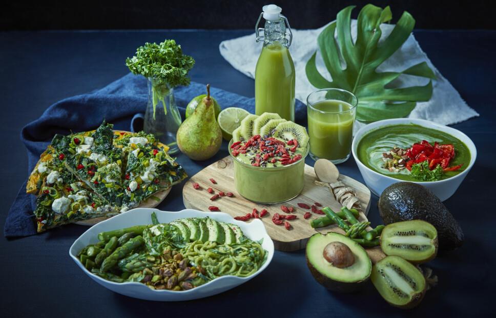 GRØNNE FRISTELSER: Hva med squashnudler, grønn juice eller en deilig spinatomelett til middag,lunsj eller frokost i januar?